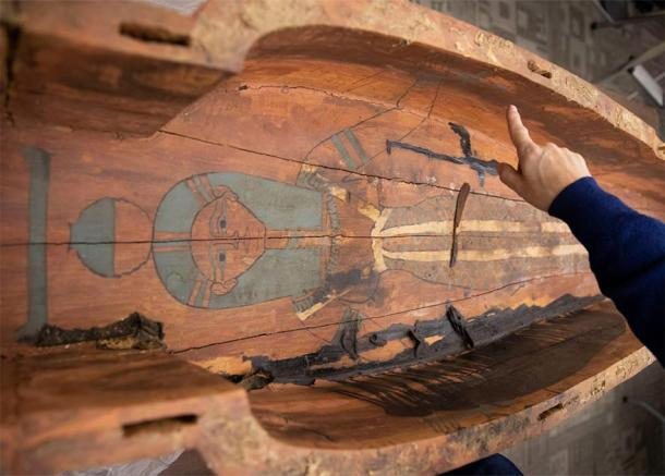 The female temple singer Mut-iy-iy had artwork inside her coffin. (Kris Snibbe / Harvard Gazette)