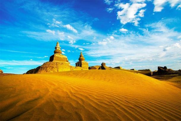 The ruins of Khara Khoto in the Gobi Desert. Source: Wirestock /Adobe Stock