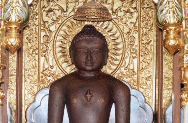 Detail of a statue of Mahavira at Shri Mahavirji, Rajasthan.