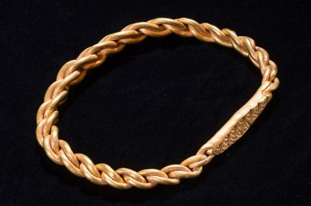 The Viking hoard included a gold arm ring found by metal detectorist Kath Giles. Source: Manx National Heritage Museum