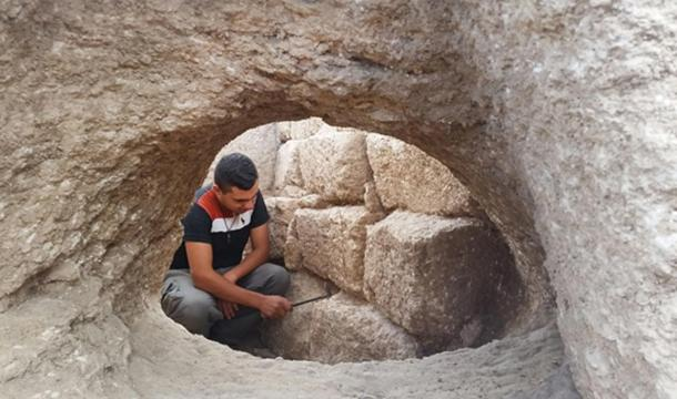 The rare pottery kiln that was used to fire jars in the ancient workshop. Photographic credit: Royee Liran, Israel Antiquities Authority.