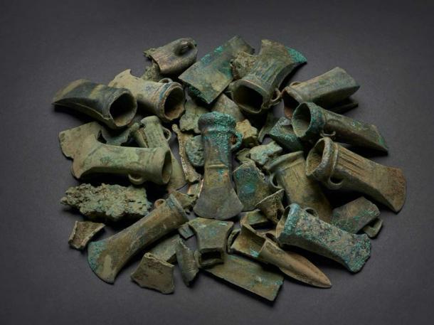 Baffling Bronze Age Weapons Hoard Found in London