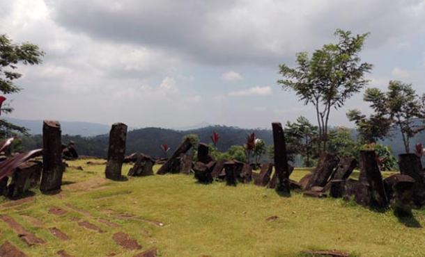 megalithic gunung padang - El sitio megalítico de Gunung Padang comienza a revelar sus secretos
