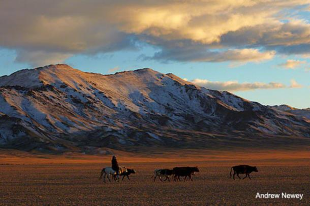 Spectacular photographs shed light on the ancient nomadic lifestyle of Mongolia‏