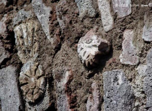 Pre-Hispanic Symbols Found in a Mexican Tunnel