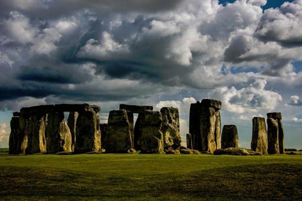 Prehistoric Calendar Revealed at Stonehenge