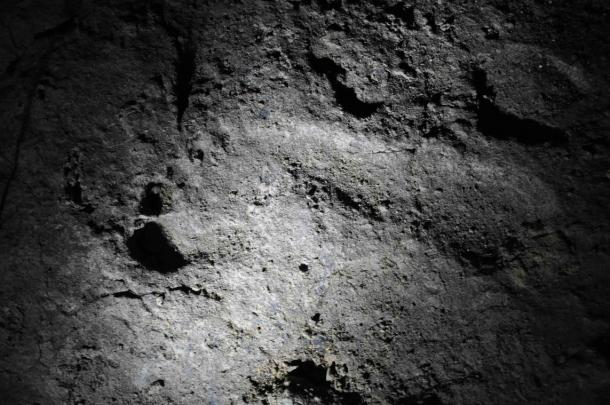 Footprint found in They were found in the Ciur-Izbuc cave in the Carpathian Mountains.