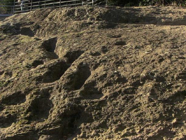 Another shot of the 'devil footprints' on the Ciampate del Diavolo in Italy. (Edmondo Gnerre / CC BY 2.0)