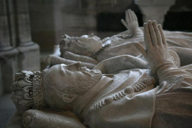 Funeral sculptures of Henry II and Catherine de' Medici in Basilique de Saint-Denis, France. (Germain Pilon / CC BY-SA 3.0)