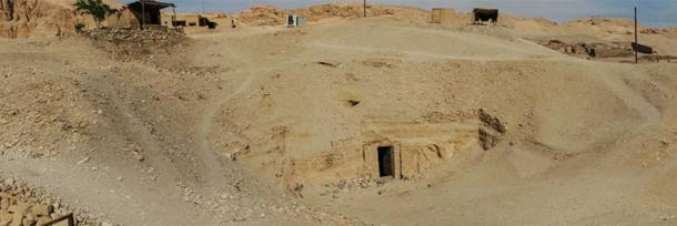 Entrance to the funerary complex of Osiris