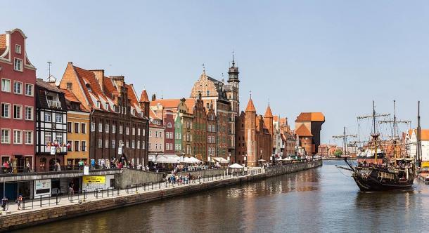 Dlugie Pobrzeze St., Gdansk, Poland Żuraw (CC BY SA 3.0)