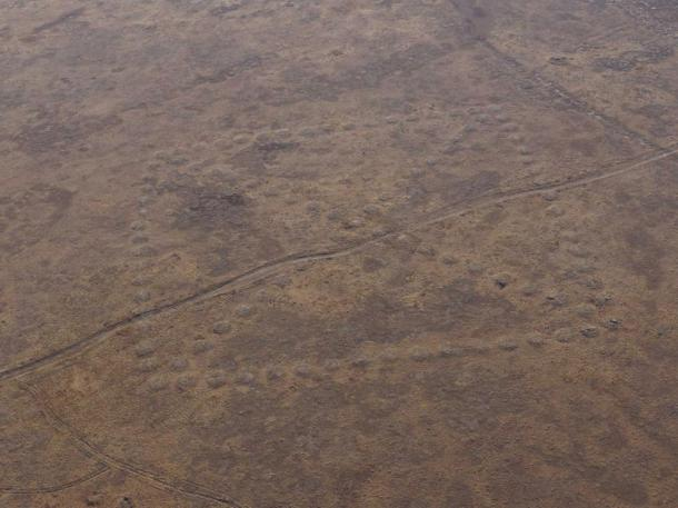 The geoglyphs are thougth to be between 3,000 and 7,000 years old.