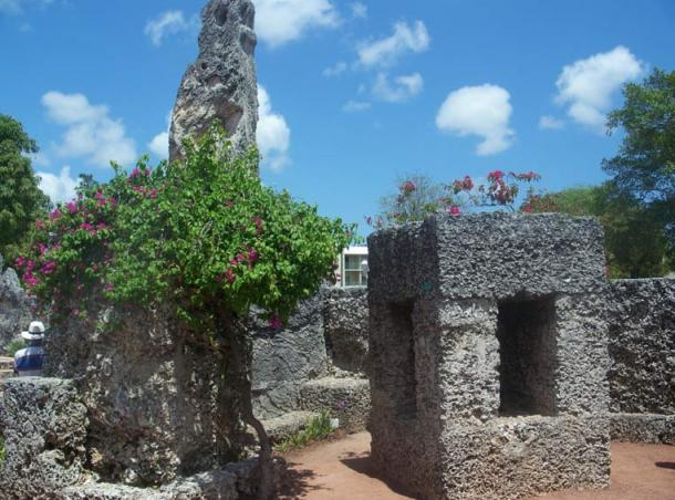 How Leedskalnin managed to transport and assemble the giant megaliths at Coral Castle is still a mystery