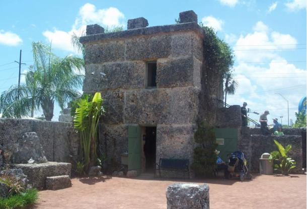 Coral Castle consists of giant slabs weighing up to 30 tons