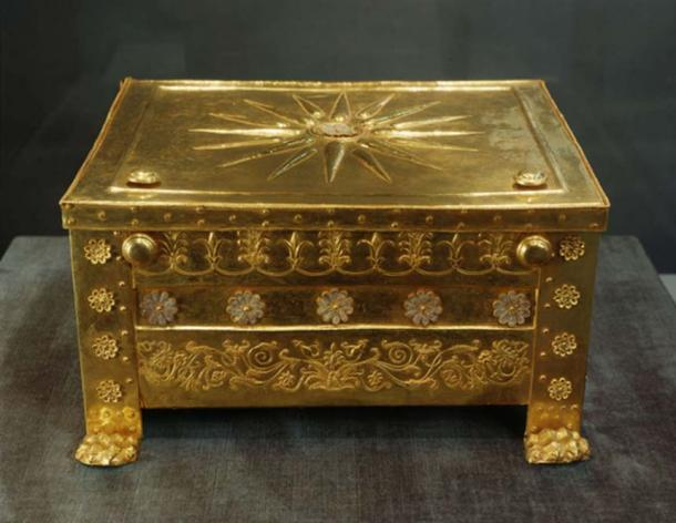 The gold larnax found in the main chamber, which contained the cremated bones.