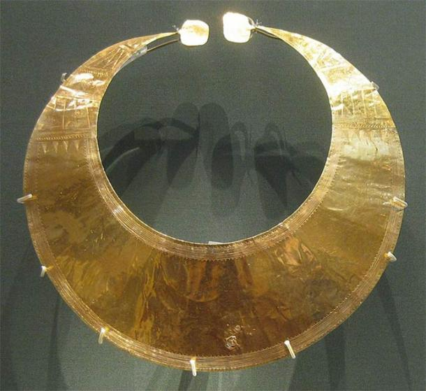 A gold lunula found in Blessington, Co. Wicklow, Ireland and currently in the collection of the British Museum. (CC0)