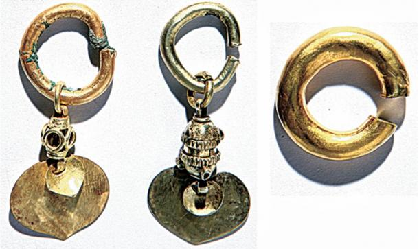 The woman was found to be wearing this golden earring.