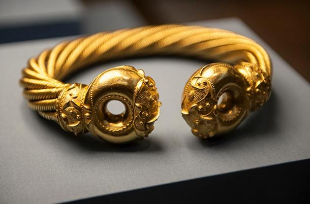 The Snettisham Torc (a golden necklace) like one Boudica might have worn.