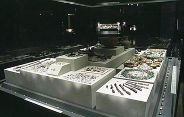 The grave goods of Philip II. (Vlas2000 / CC BY-SA 3.0)