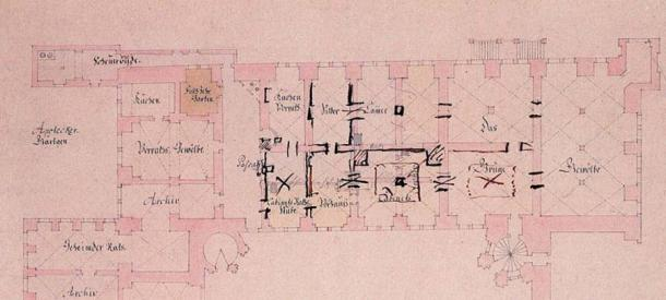 Green Vault floorplan from 1727 with handwritten notes by Augustus the Strong marking his intentions. (Linear77 / Public Domain)