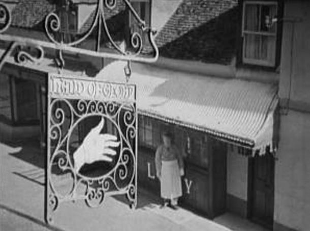 The Hand of Glory Inn from the 1944 film 'A Canterbury Tale.