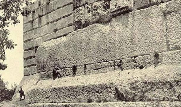 huge-megalithic-foundations-of-the-Temple-of-Jupiter-baalbek.jpg