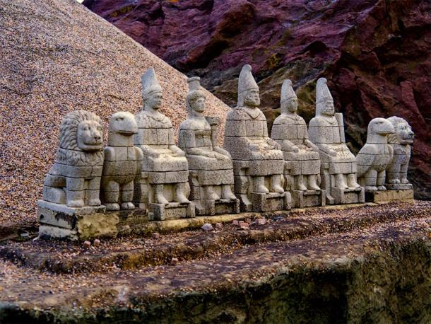Representation of what the Nemrut pantheon looked like before the heads fell off. ( CiddiBiri/ Adobe Stock)