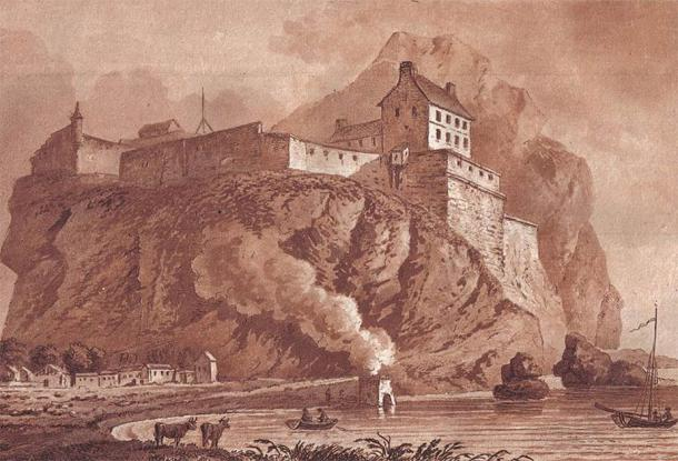 Dumbarton Castle boasts the longest recorded history of any Scottish castle. (Public domain)