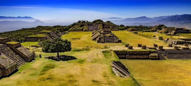 The fabulous landscape of Mount Alban, also built by the Zapotecs, in the same area of Mexico where Mitla lies. (WitR / Adobe Stock)