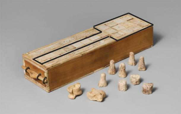 A later version of the Royal Game of Ur board. The black enhancing outline added by author. Thebes, Egypt. c. 1635–1458 BC. (The Metropolitan Museum of Art, New York, Rogers Fund (1916) / Provided by the author)