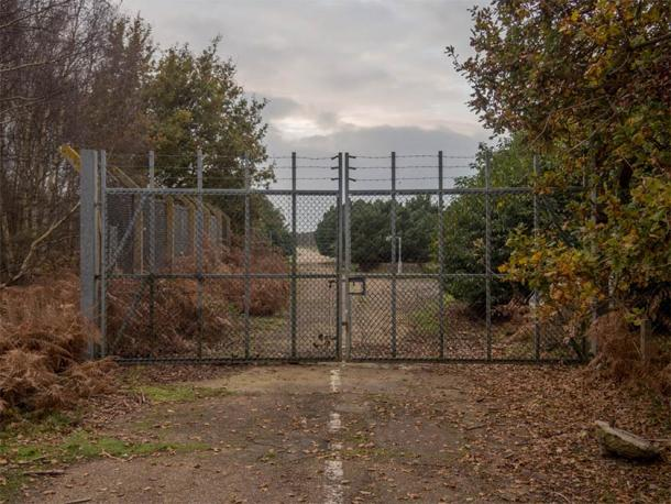 The East Gate at RAF Woodbridge, where the Rendlesham Forest UFO incident began. (Taras Young / CC BY-SA 4.0)