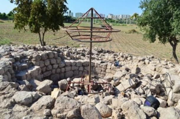 The emerging outlines of the memorial tomb of the ancient Greek poet Aratus. (Greek City Times)