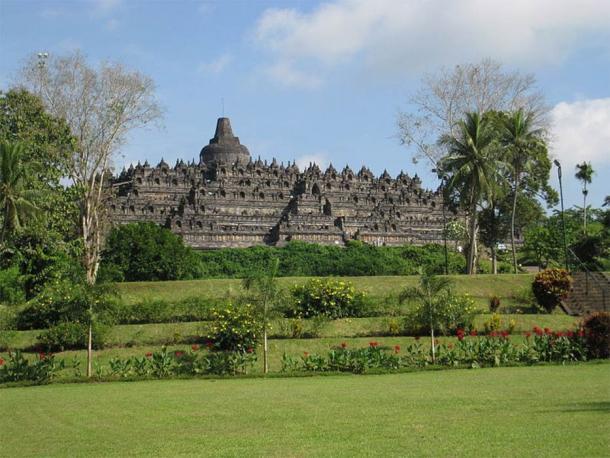 View of Borobudur, Indonesia. (Anandajoti /CC BY-SA 3.0)