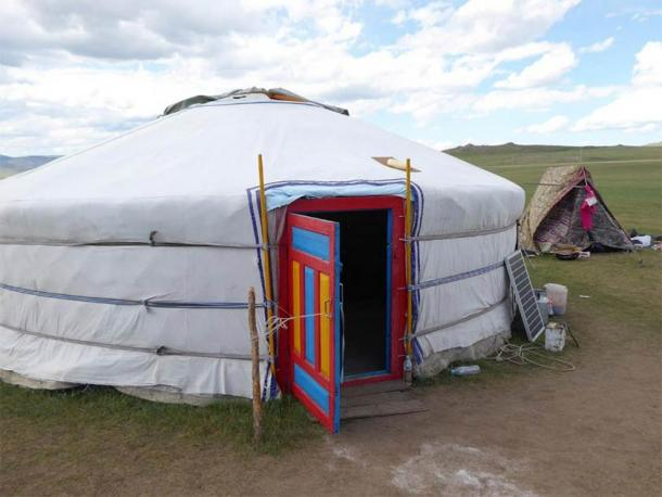 Present-day home in the Mongolian countryside, known as a ger (Mongolian) or yurt (Russian). (Christina Warinner)