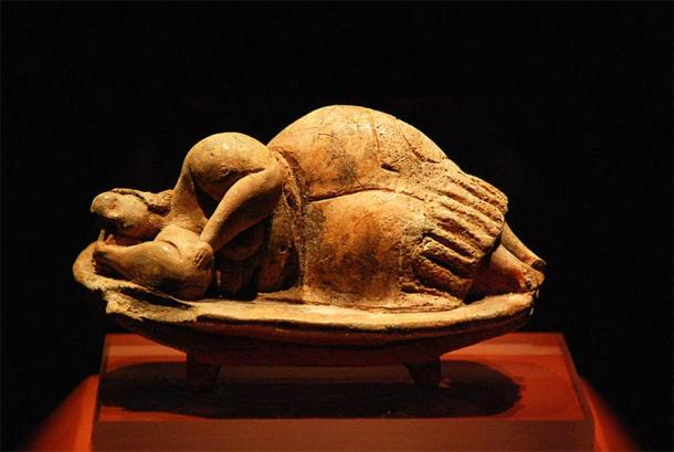 The Sleeping Lady was discovered in the Hal Saflieni Hypogeum and has since become an icon of prehistoric Malta. (Jvdc / CC BY-SA 3.0)