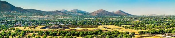 View of Teotihuacan in Mexico (Leonid Andronov/ Adobe Stock)