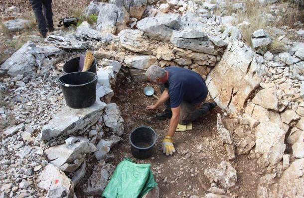 The rare find of a Greek-Illyrian helmet was discovered within a rock-cut tomb in Croatia. (Dubrovnik Museums)