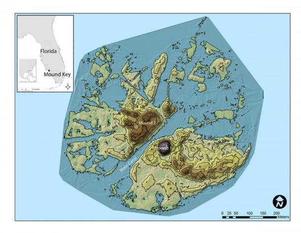 Los registros históricos españoles nombraron a Mound Key de Florida, la capital del reino de Calusa, como el sitio del Fuerte San Antón de Carlos, hogar de una de las primeras misiones jesuitas de América del Norte. Los arqueólogos han descubierto evidencia del fuerte en uno de los montículos de conchas de la isla. (Imagen: Victor Thompson)