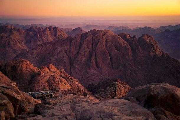 Mount Sinai, in the south of the Sinai Peninsula. It is believed that Moses saw the Burning Bush and received the Torah from Yahweh here (Mohammed Moussa / CC BY-SA 3.0)