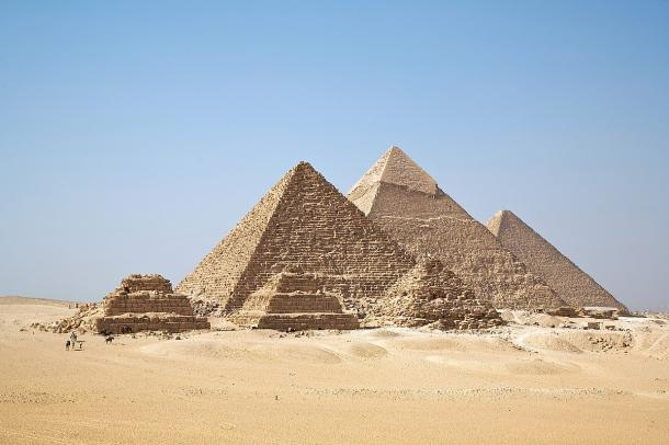 All Giza Pyramids stacked in one shot. (Ricardo Liberato / CC BY-SA 2.0)