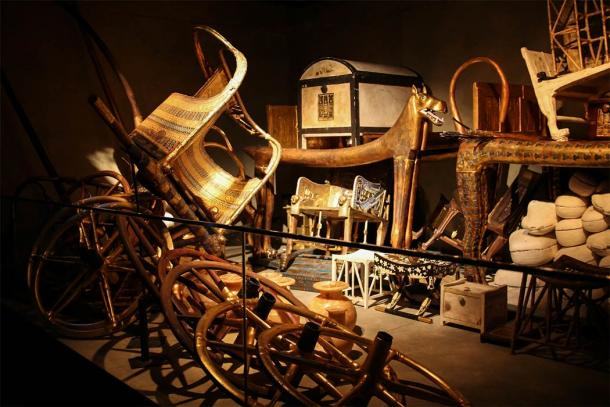 Dissembled Chariot in Tutankhamen's Tomb (CC0)