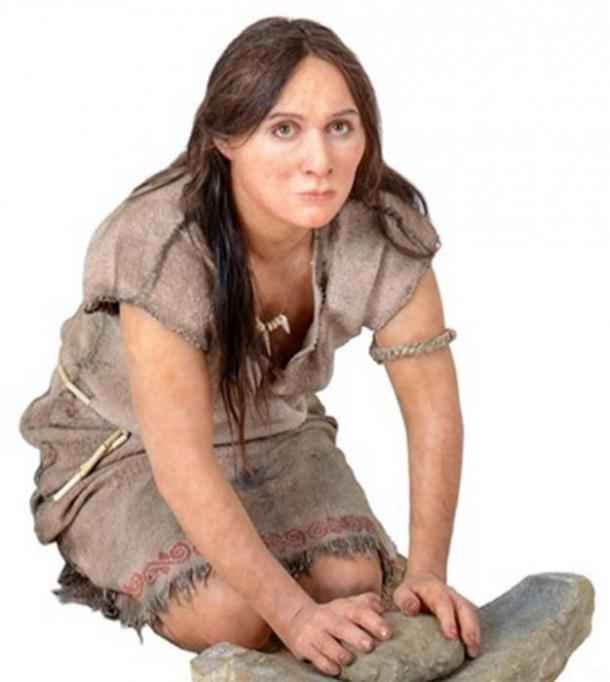 Reconstruction of a Neolithic woman, with a grinding stone (Trento science museum) (CC BY-SA 3.0)