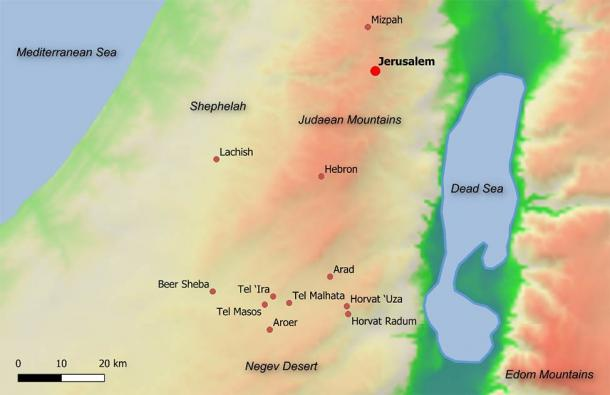 This map shows the ancient location of Arad in Bible-era Israel, along with the main towns in Judah and sites in the Beer Sheba valley ca. 600 BC. (© 2020 Shaus et al. PLoS ONE / CC BY 4.0)