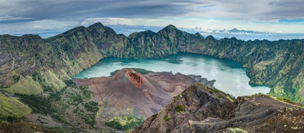 Lake Segara Anak is a crater lake created during the volcanic eruption of Mount Samalas on Lombok Island in Indonesia in 1257. Scientists argue that this eruption could have caused the Little Ice Age. (venca1983 / Adobe Stock)