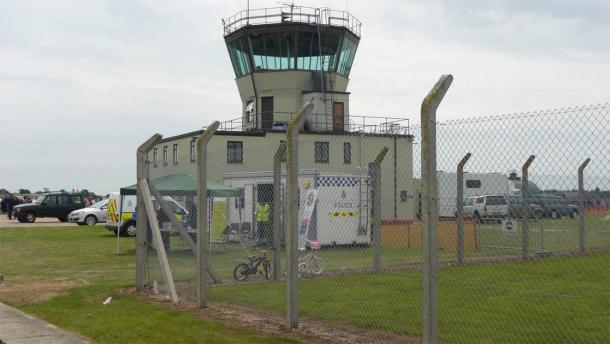 The old ATC control tower at the former RAF Bentwaters airfield, where the Rendlesham Forest UFO incident occurred. The location is now a park. (Juan Jimenez / CC BY-SA 3.0)