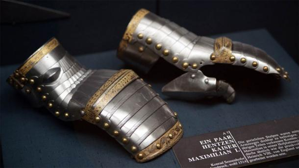 Most experts believe that the horned helmet was created by Konrad Seusenhofer, a renowned Austrian armorer who worked for Maximilian I, the Holy Roman Emperor. In the image we can see the emperor's gauntlets created by Seusenhofer circa 1514. (Kunsthistorisches Museum / CC BY 3.0)