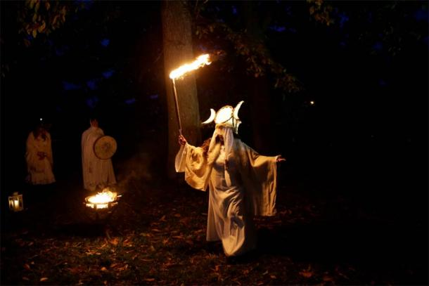 Bonfires were lit as offerings to the spirits who were believed to cross into our world during Samhain. (Púca Festival)