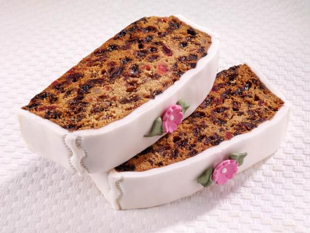 The fruitcake has an interesting history. High in calories and carbs, it is now seen as a lifesaver for Type 1 diabetics. (cdkproductions / Adobe Stock)