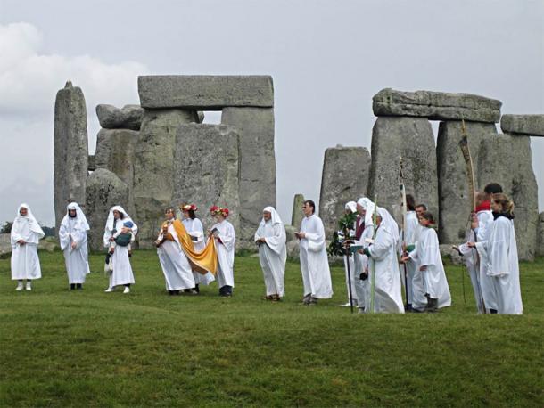 Druids celebrating an important summer ritual at Stonehenge. (sandyraidy / CC BY-SA 2.0)