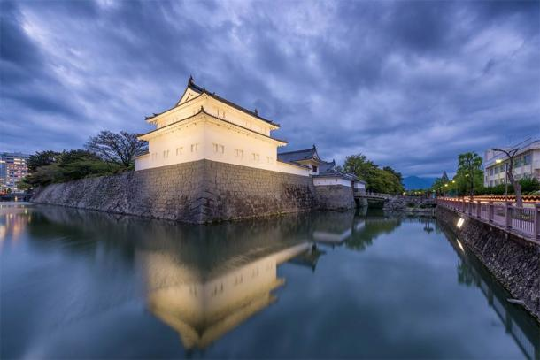 Edo Japan Sunpu Castle as it looks today after extensive reconstruction and expansion in the early Edo period. (Pixel_PEEP / Adobe Stock)